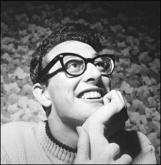 Buddy_Holly_smiling_Photo_by_Bill_Francis.jpg