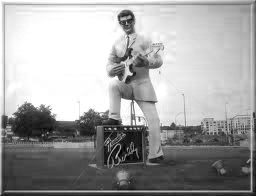 BuddyHolly_Statue_Germany.jpg