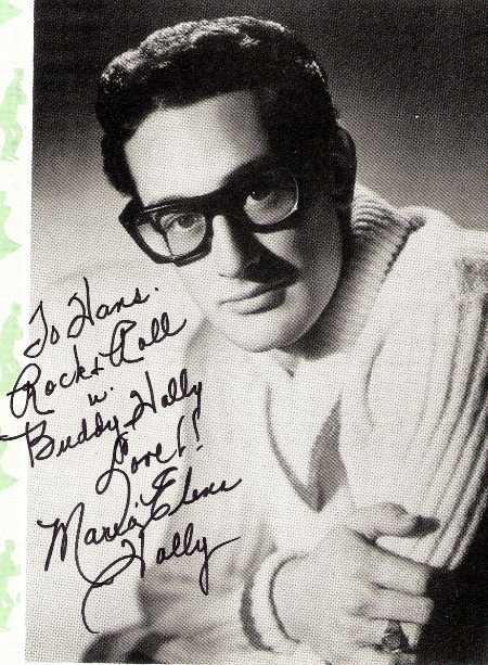 Personal_autograph_by_Maria_Elena_Holly.jpg