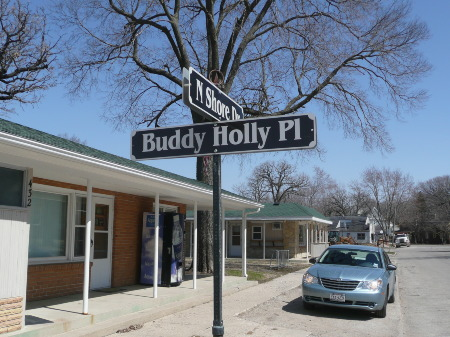 Buddy Holly Pl in Clear Lake IA