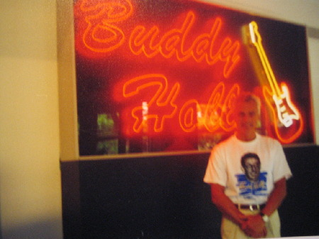Red_neon_lights:BUDDY_HOLLY.jpg