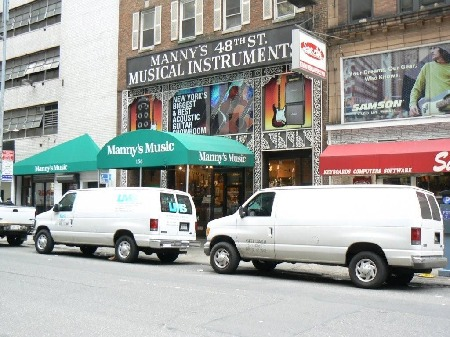 Manny's_Music_Store_New_York.jpg