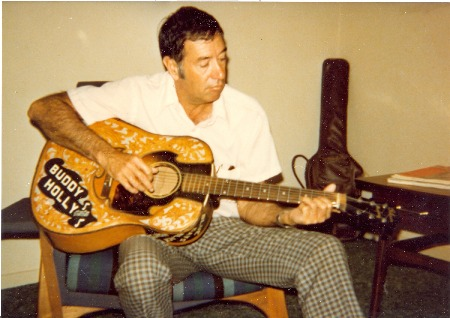 Larry_Holley_with_Buddy's_acoustic_guitar.jpg