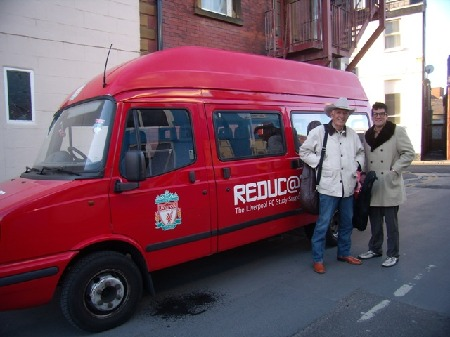 Liverpool_FC_tour_van_Tommy_Allsup_Johnny_Rogers.jpg