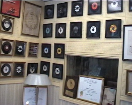 Lots_of_records_Norman_Petty_Studio.jpg