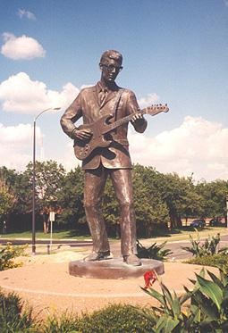 The Buddy Holly statue in Lubbock TX
